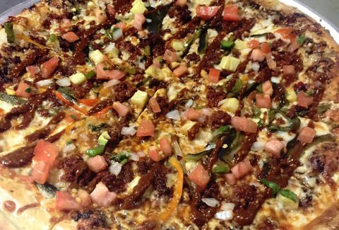 HIGH POINT PIZZA specialty everything pizza bbq  high point pizza memphis thrillist