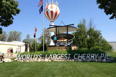 World's Largest Cherry Pie