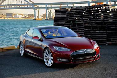 Tesla needs more people