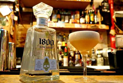 Casita drink 1800 coconut tequila