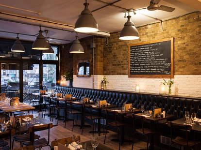 8 HOXTON SQUARE interior industrial dining room thrillist london