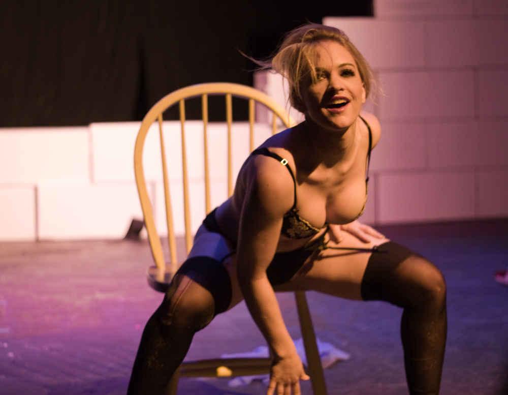 Tango female nudity — photo 9