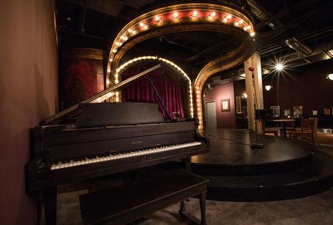 Uptown Underground chicago stage and piano dim lighting thrillist