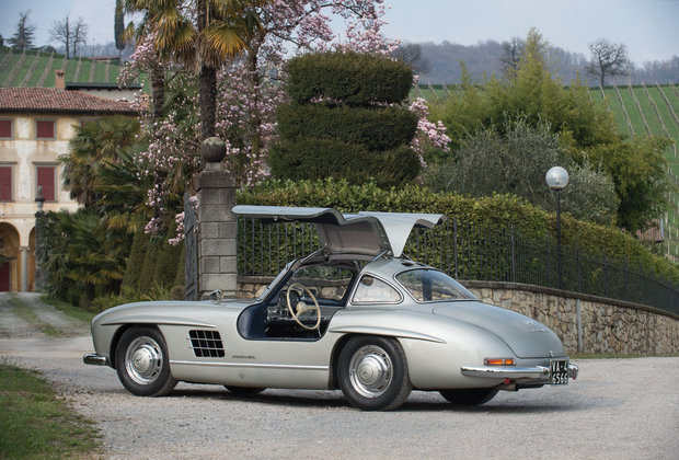 The 10 Coolest Cars for Sale at the Monaco Auction This Weekend