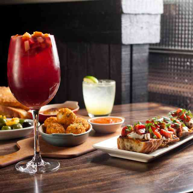 Every Happy Hour in the Mall of America, Ranked