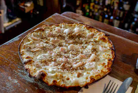 clam and shrimp pizza