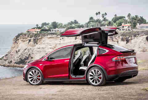 The Tesla Model X Falcon Door is a huge problem