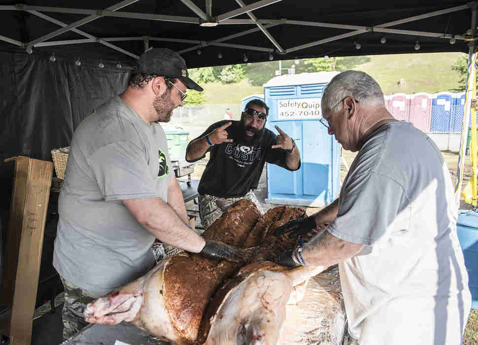 a8c886fe14 4 Days at the Memphis in May World Championship Barbecue Cooking ...