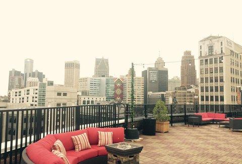 Coors Light Sky Deck A Detroit Mi Bar