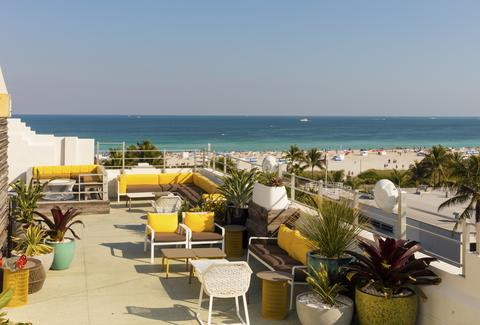 Best Rooftop Bars In Miami Florida For Summer Drinking