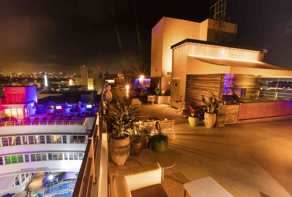 Best Rooftop Bars In Miami Where To Drink With A View This
