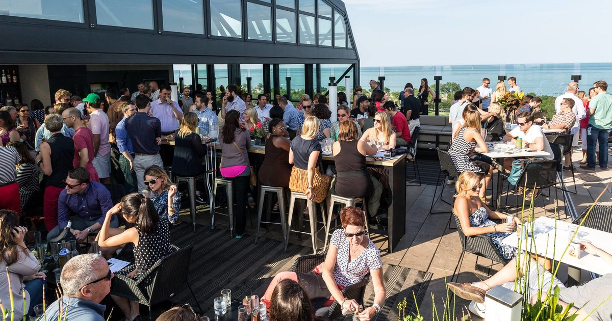 Best Rooftop Bars in Chicago: Cool Places to Drink With a
