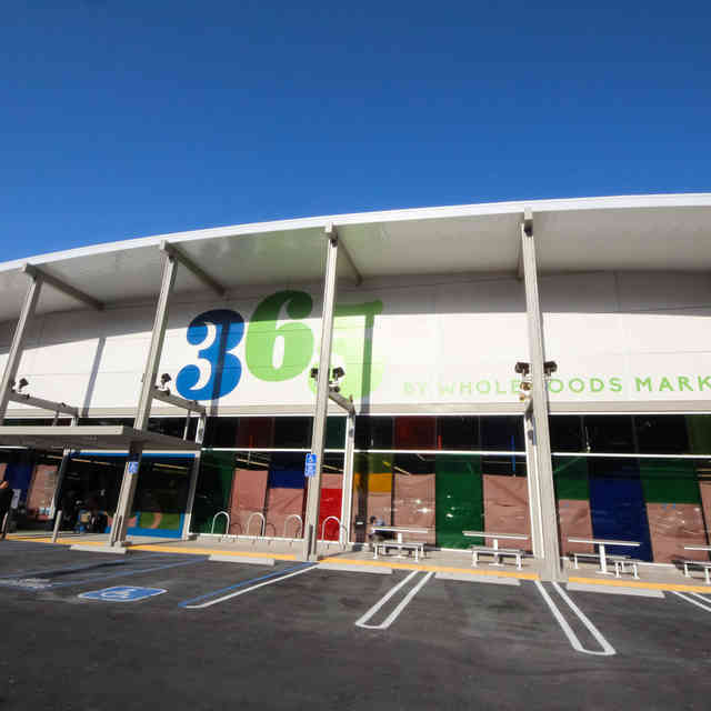 An Inside Look at the First-Ever 365 by Whole Foods, Open Today in Silver Lake