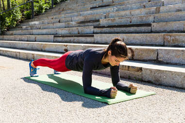 plank up-downs