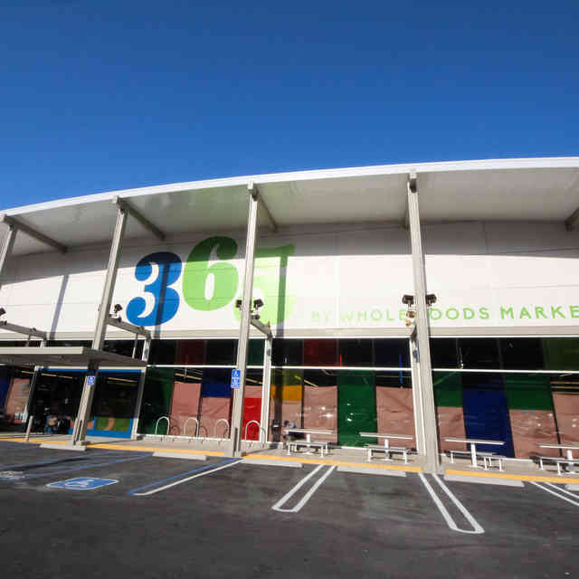 Inside the First-Ever 365 by Whole Foods (The Cheap One!)