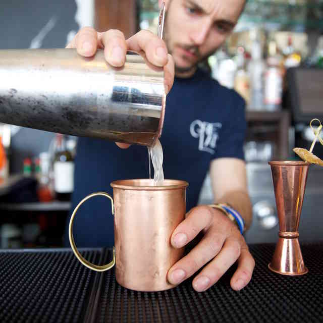 How to Tip a Bartender in Every Situation