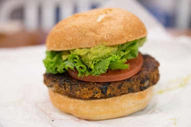 veggie burger Plant Power Fast Food