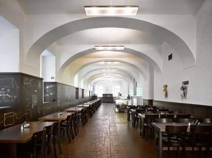 Lokal beer hall
