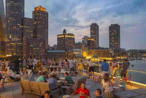 Lookout Rooftop and Bar at Envoy Hotel