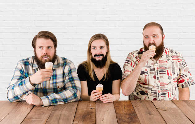 The Worst Foods to Eat With a Beard, According to a Woman