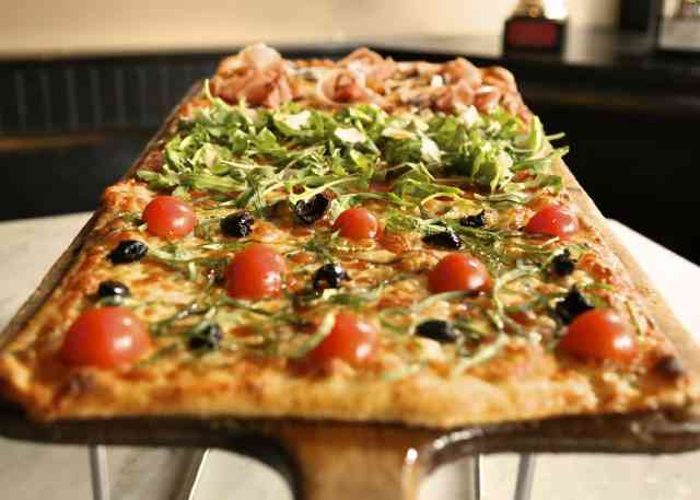 Best Pizza in America: Pizza Shops & Pizzerias for the
