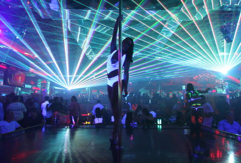 Las Vegas Strip Club Mistakes Thrillist