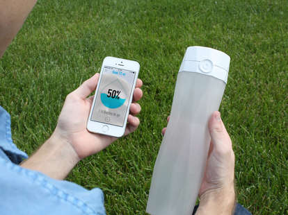 smart water bottle and smartphone