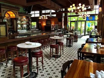 d4 irish pub