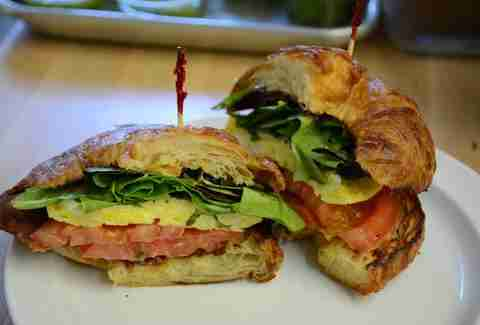Best Places To Eat Breakfast In Venice Beach