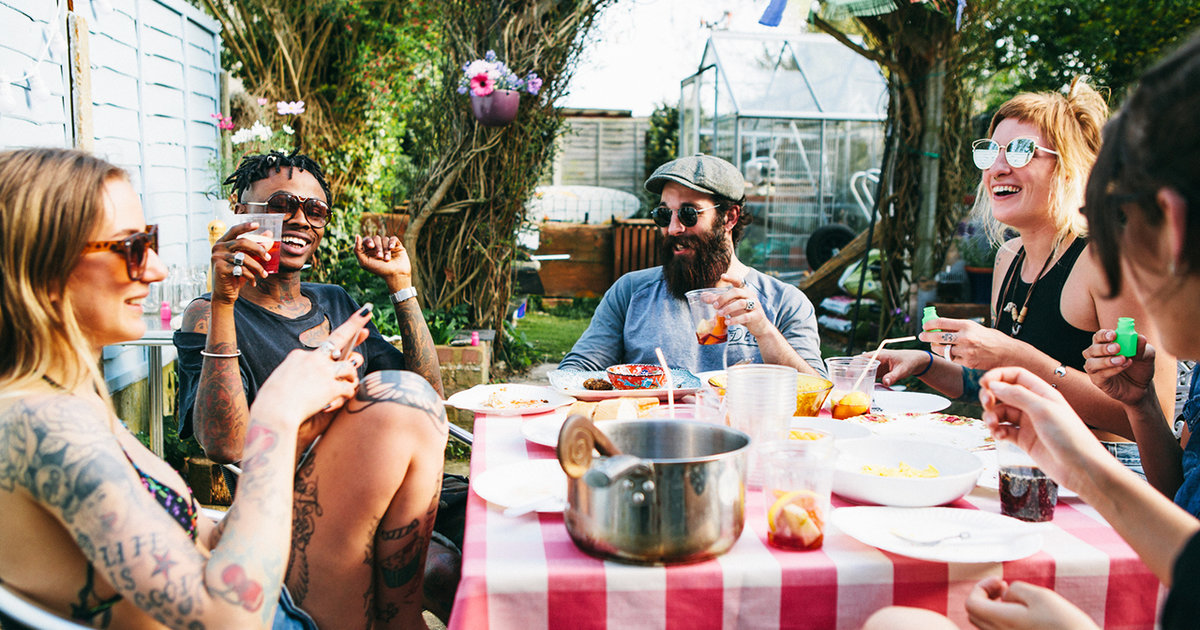 Your Guide To Throwing The Ultimate Backyard Bbq Thrillist