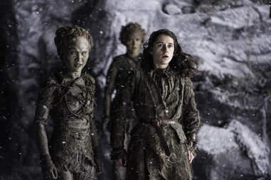 Ellie Kendrick as Meera Reed and Kae Alexander as Leaf see the White Walkers attacking