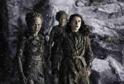 Ellie Kendrick as Meera Reed and Kae Alexander as Leaf see the White Walkers attacking