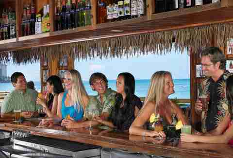 The bar at Duke's Waikiki