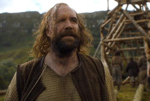 "sandor ""the hound"" clegane on game of thrones season 6"