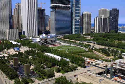 Chicago Facts Secrets About Millennium Park The Bean
