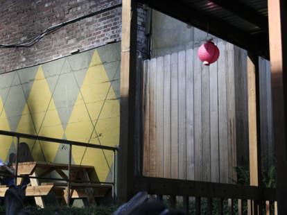 The patio at MoMo's