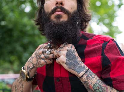 man with beard dating