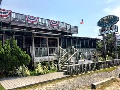 Howard's Pub north carolina