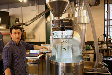 Dropping step in coffee roasting process