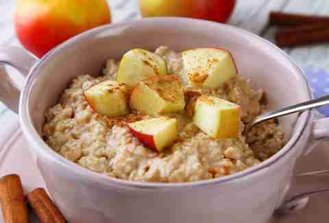 Oatmeal with cinnamon