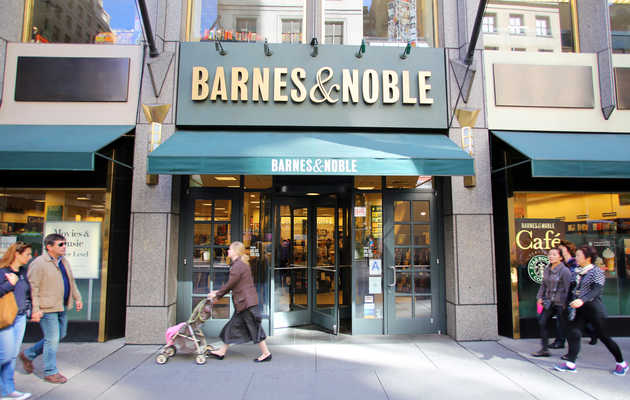 Barnes & Noble Is Selling Booze Now