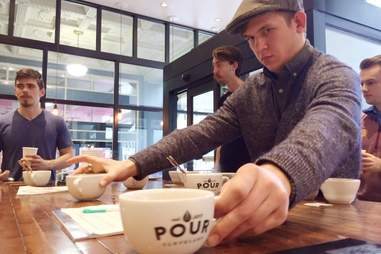 Pour Cleveland cupping
