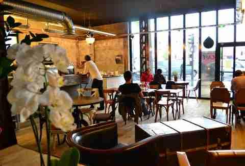 the 21 best coffee shops in paris thrillist
