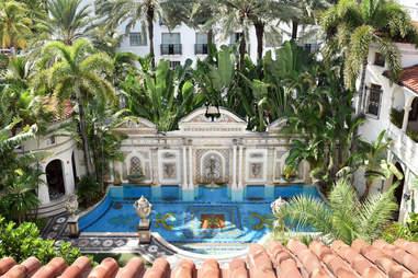 The Villa Casa Casuarina pool