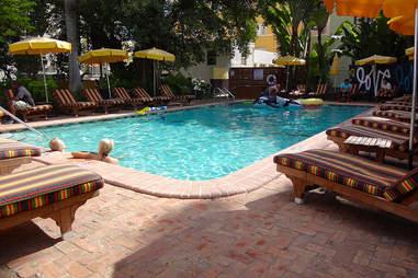 Freehand pool