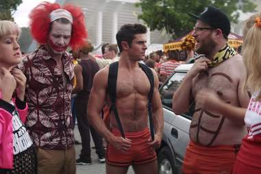 zac efron shirtless abs seth rogen neighbors 2 sorority rising