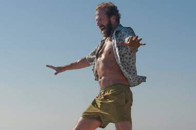 ralph fiennes a bigger splash shirtless