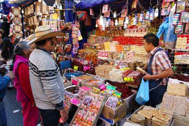 street market near Plaza de las Americas