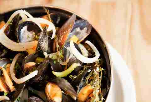 mussels at Petit Abeille