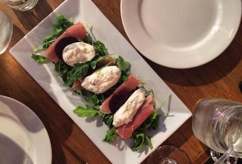 Arugula salad, burrata, proscuitto, roasted beets